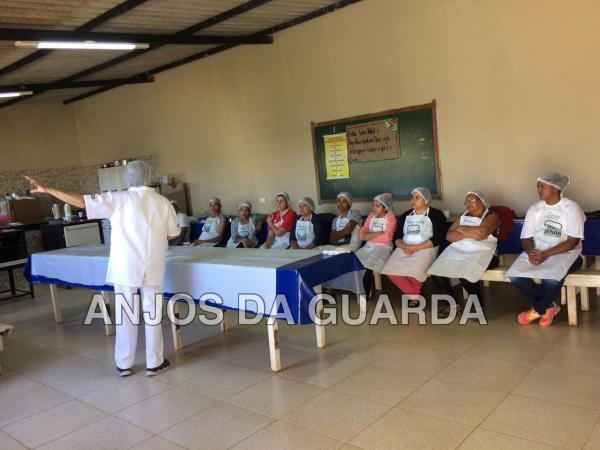 Curso de Preparação de Biscoitos é realizado em Guarda dos Ferreiros -